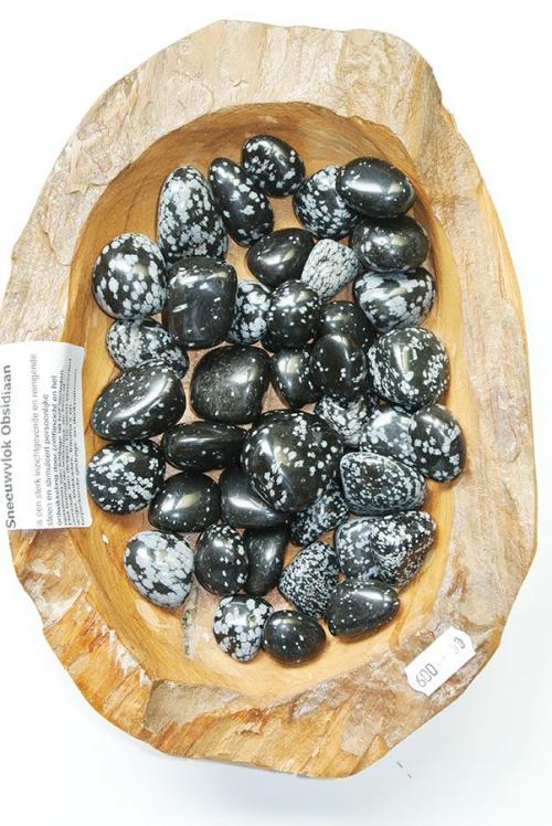obsidiaan sneeuwvlok getrommelde stenen