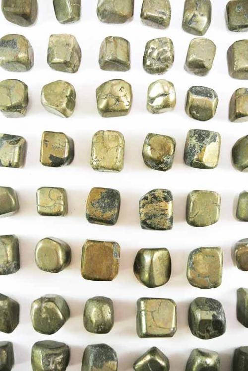 pyriet trommelstenen, pyriet knuffelsteen, pyriet knuffelstenen, pyriet gepolijst, pyriet getrommeld, pyrite stones, pyriet stenen