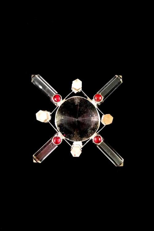 Bergkristal energie generator, edelsteen generator, edelsteen energie generator, gemstone energy generator, bergkristal, granaat