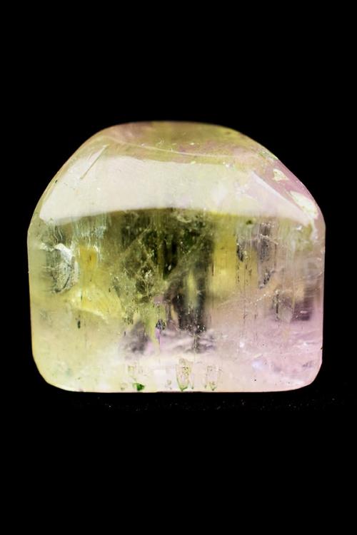 Hiddeniet met Kunziet, 3 cm, 23 gram, Pakistan, gepolijst, trommelsteen, groene hiddeniet, groene kunziet, engelen steen, hart chakra, 4e chakra, kopen
