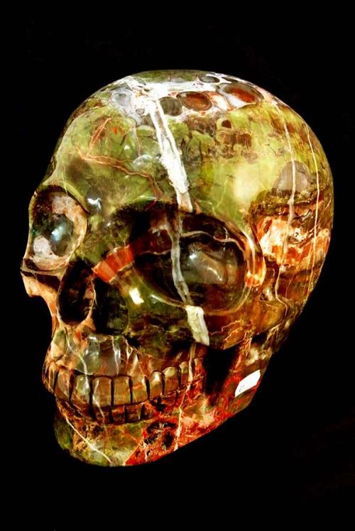Drakensteen kristalen schedel, dragonstone crystal skull, bastiet kriistallen schedel, kopen, skull, epidoot, amygdale, piedmontiet