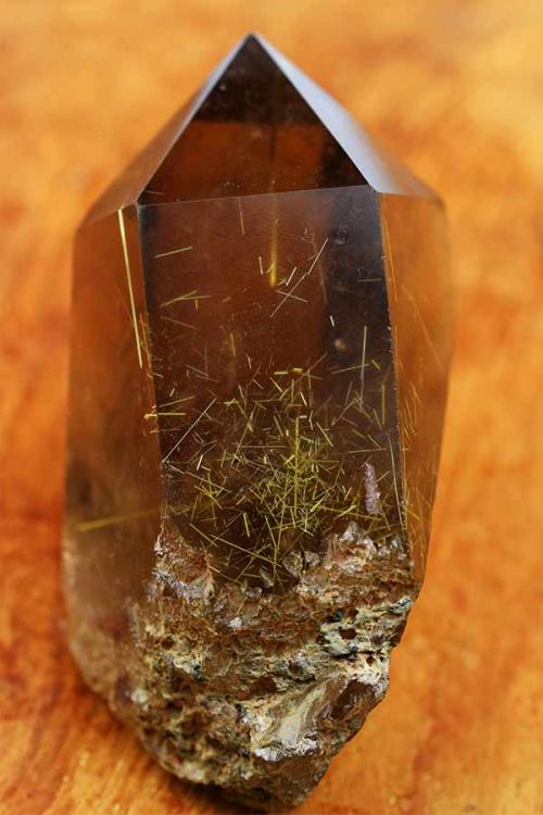 goud rutiel rookkwarts punt, golden rutile, gold rutile, kopen, edelsteen, rookkwarts punt