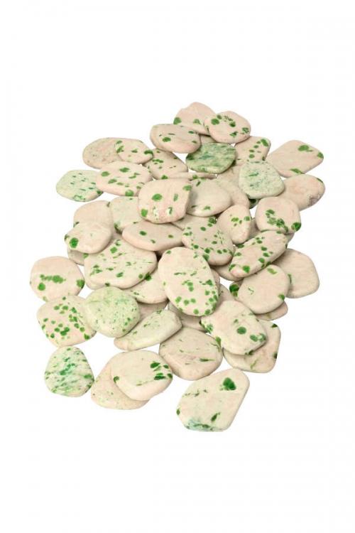 Smaragd steen in kwarts, Smaragd in kwarts platte steen, emerald flat stone, kopen, edelsteen, kristal, smaragd steen, gepolijst, broekzaksteen, knuffelsteen