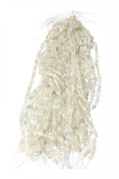 Maansteen vrije vorm stenen streng, 0.6 tot 1 cm per steentje, streng 39 cm, 45 a 50 kralen, MOONSTOPNE BEADS, KRALEN, MAANSTEEN, REGENBOOG MAANSTEEN, sieraden maken, kopen